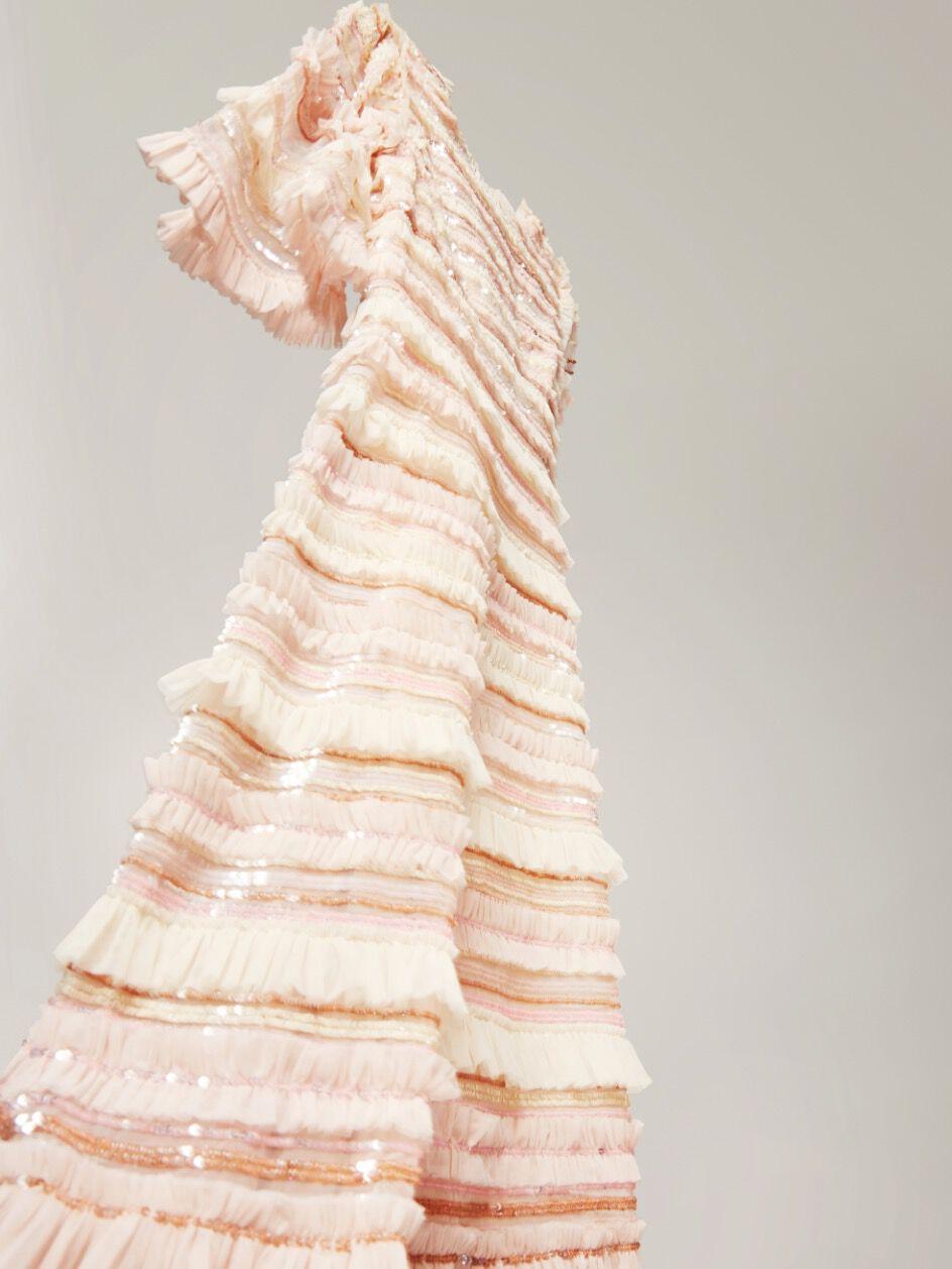 الفساتين الأفضل دوماً