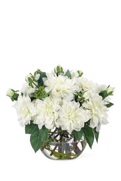 زهور أضاليا بيضاء في مزهرية زجاجية دائرية