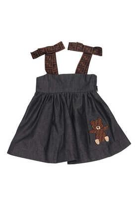 فستان شامبراي مزين بشعار الماركة ورقعة دب