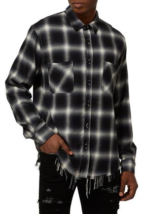 قميص بنقشة مربعات وأزرار