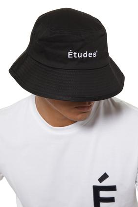 قبعة رياضية مزينة بشعار الماركة