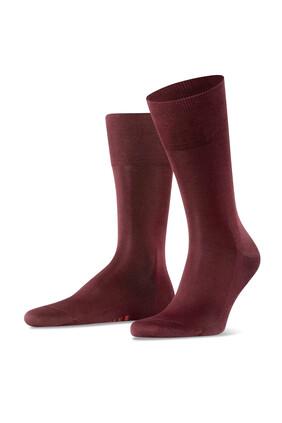 جوارب حرير حمراء