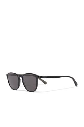 نظارة شمسية بإطار على شكل حرف D