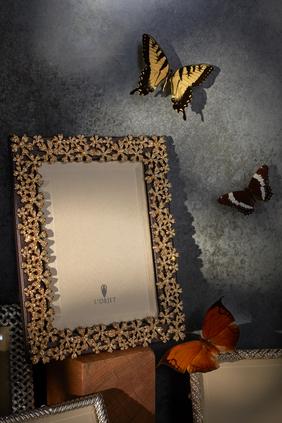 إطار صور 4 × 6 بتصميم إكليل مرصع بكريستال سواروفسكي
