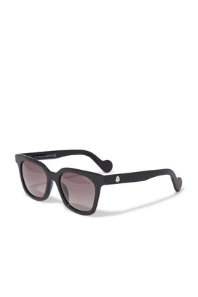 نظارة شمسية بإطار مربع
