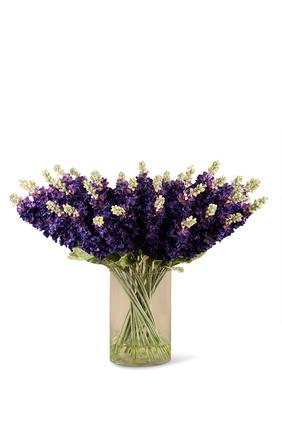 باقة زهور ديلفينيوم صناعية في مزهرية زجاجية