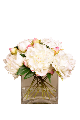 باقة زهور فاوانيا كبيرة في مزهرية زجاج