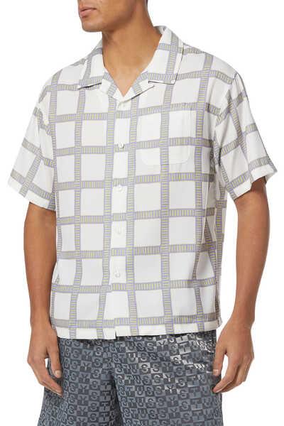 قميص بنقشة مربعات بتصميم مرسوم يدويًا
