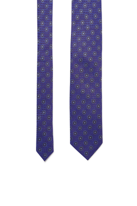 ربطة عنق بنقشة زهور