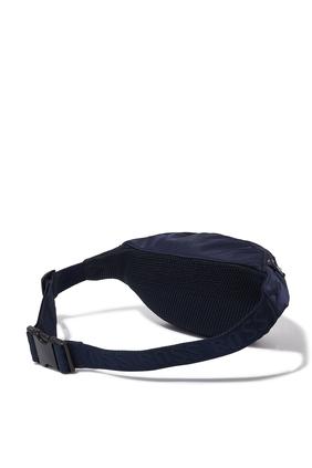 حقيبة خصر بشعار الماركة